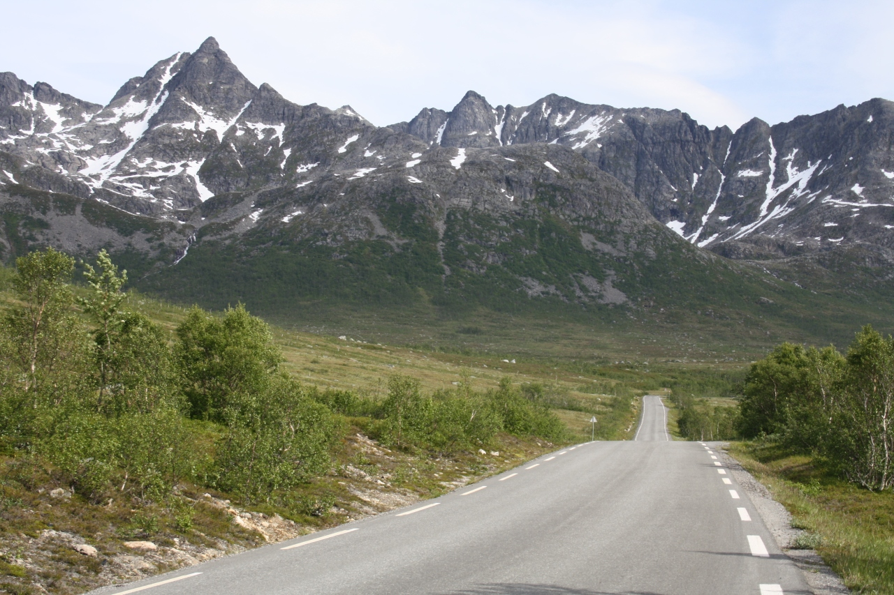 The approach to Tromsø: Kvaløya