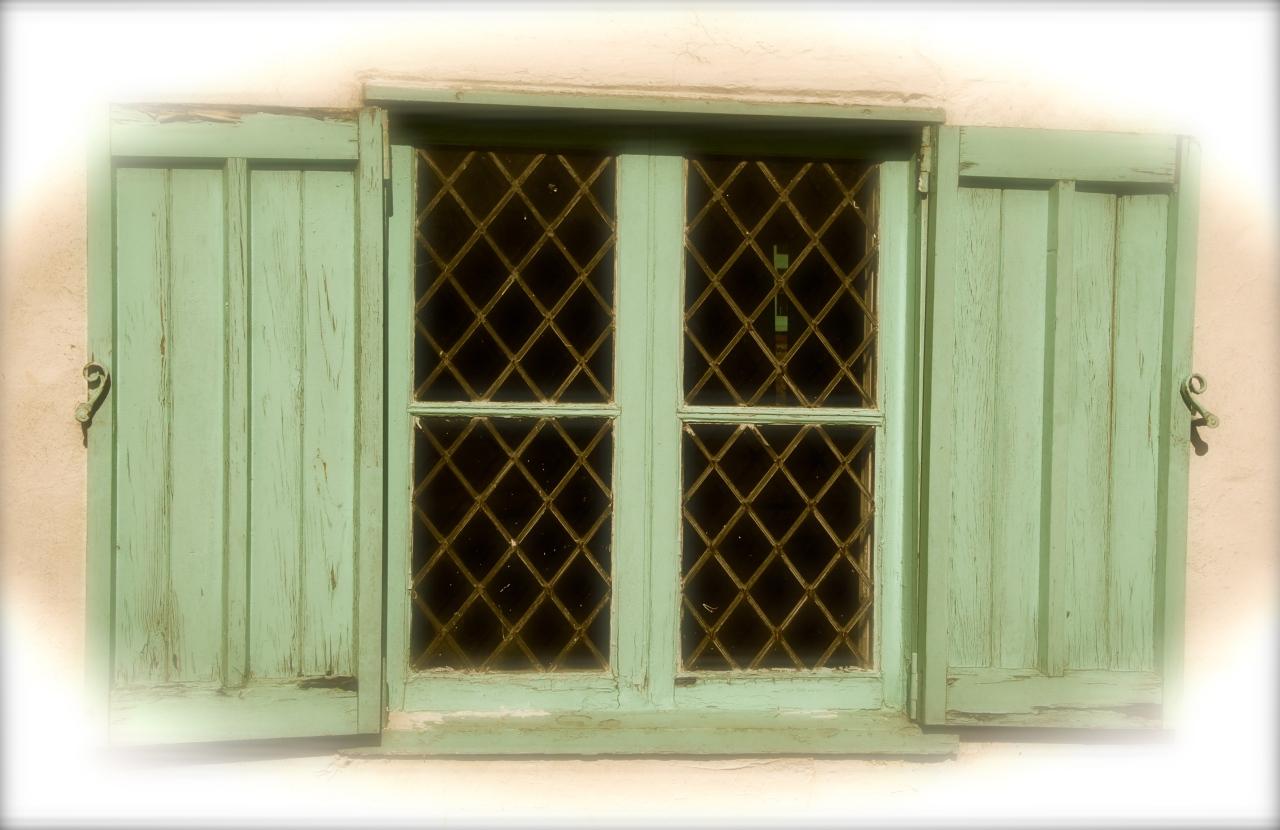 Window in Cley nex the Sea, Photo: Hanne Siebers
