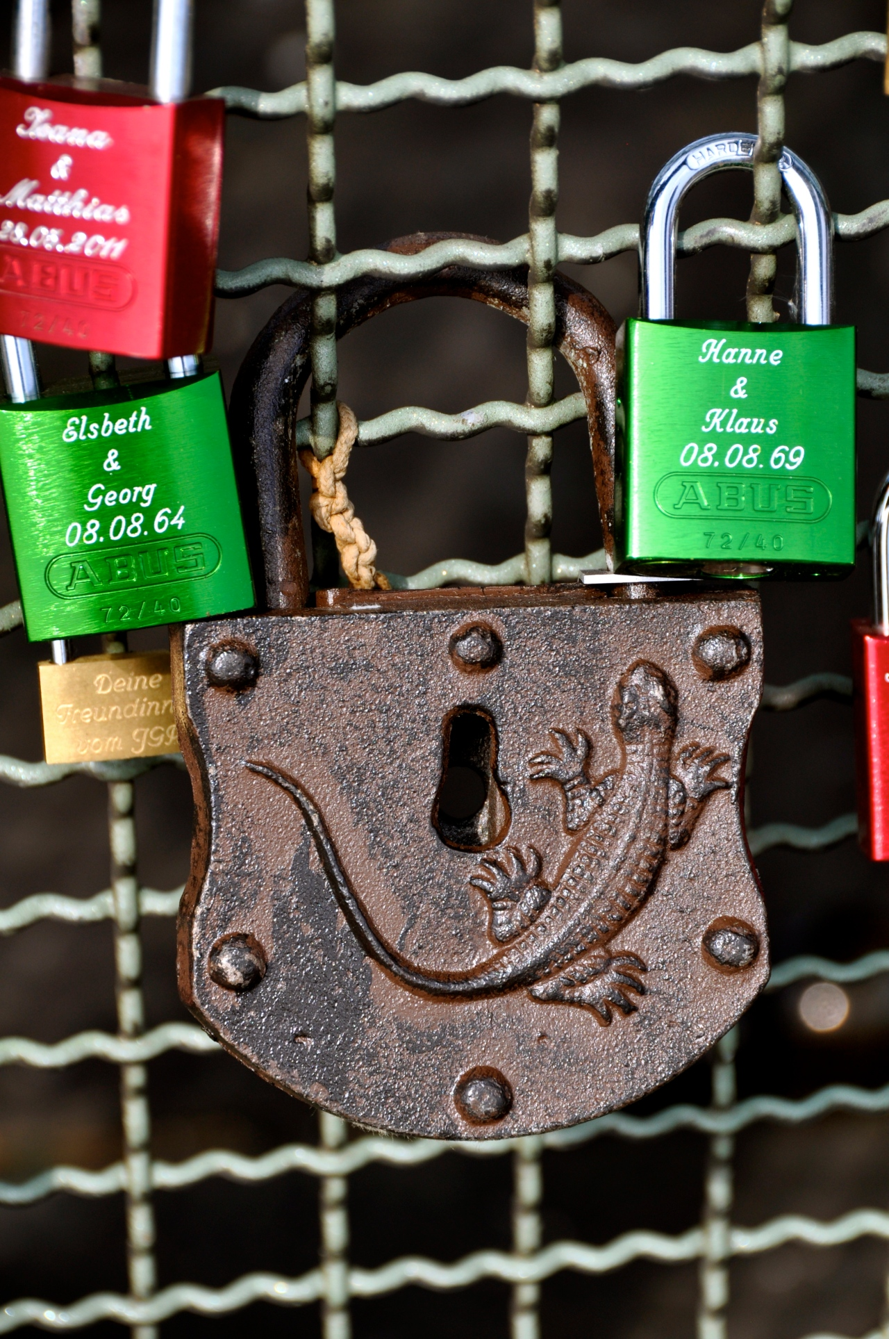 Koeln 073, Hoehenzollernbrücke, love padlocks, 2012, Photo: Hanne Siebers
