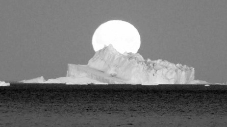 Arktischer Mond 4BW